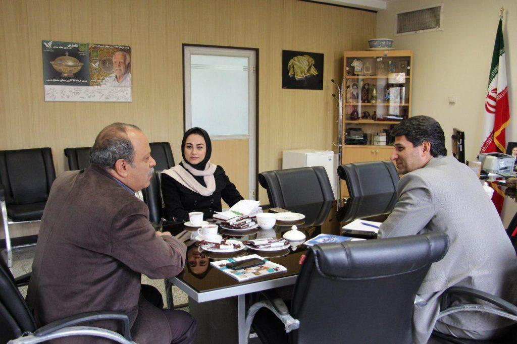 تعامل صنایع دستی و راهنمایان ، یکی از مصوبات شورای سیاست گذاری توسعه پایدار گردشگری اصفهان